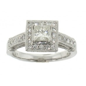 Princess Diamond Engagemnt Ring